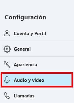 como ajustar audio en skype